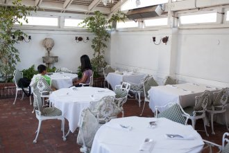 outdoor seating at Old Venice restaurant in San Diego