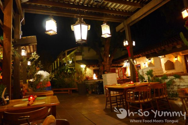 Barra Barra Saloon - outdoor patio night setting