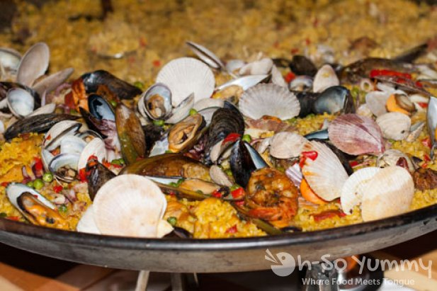 Taste of Downtown 2011 - Cafe Sevilla paella
