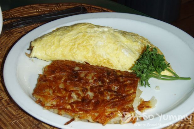 Mushroom Omelet with Cheese and Hash Browns