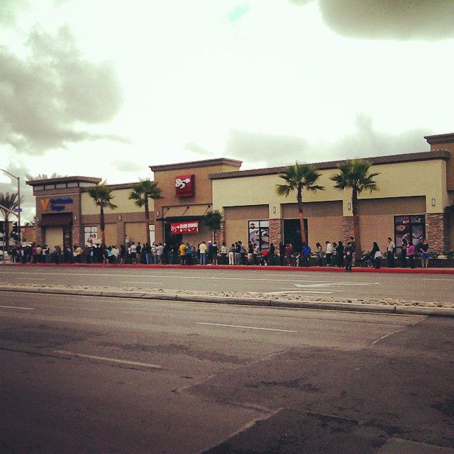 line for the grand opening of 85C Bakery Cafe (Balboa Mesa) in San Diego