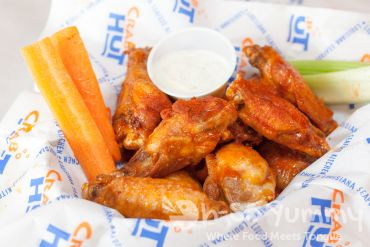 Happy Hour Chicken Wings - Crab Hut