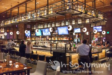 bar seating at Kelsey's Bar and Grill at Pechanga