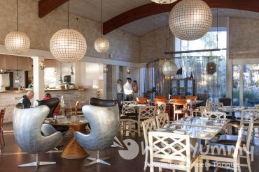 indoor seating at Tidal restaurant in Mission Bay of San Diego