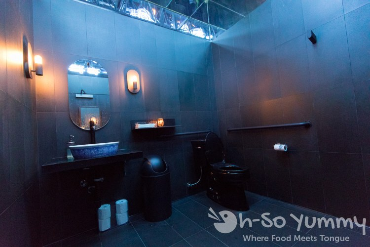 bathrooms at Realm of the 52 Remedies
