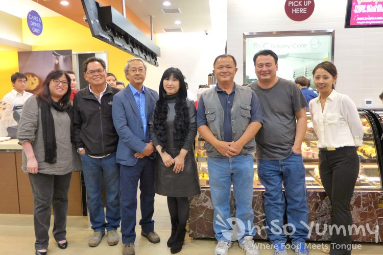 owners, managers and staff from 85C Bakery Cafe