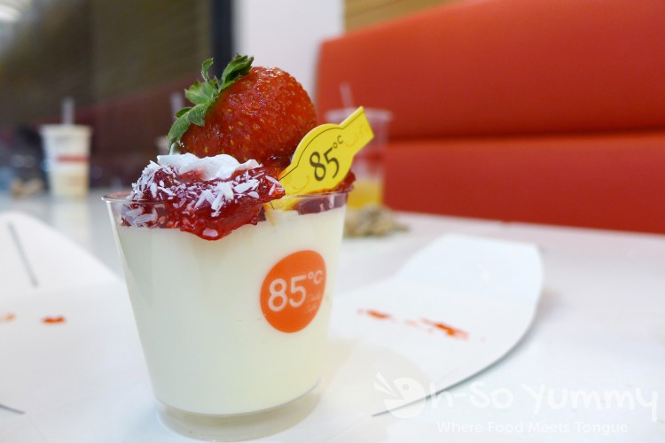 strawberry dessert from 85C Bakery Cafe