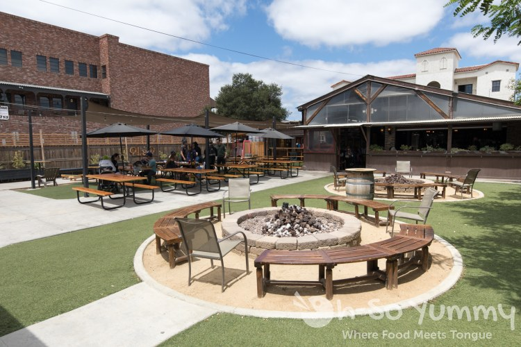 Outdoor space at Blackbird Tavern in Old Town Temecula