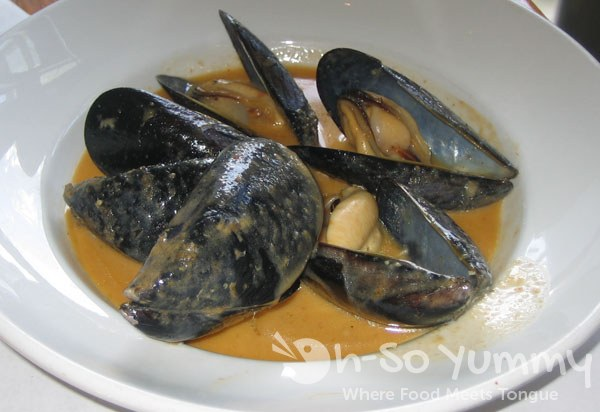 McCormick and Schmick's Carlsbad Mussels in Red Thai Curry