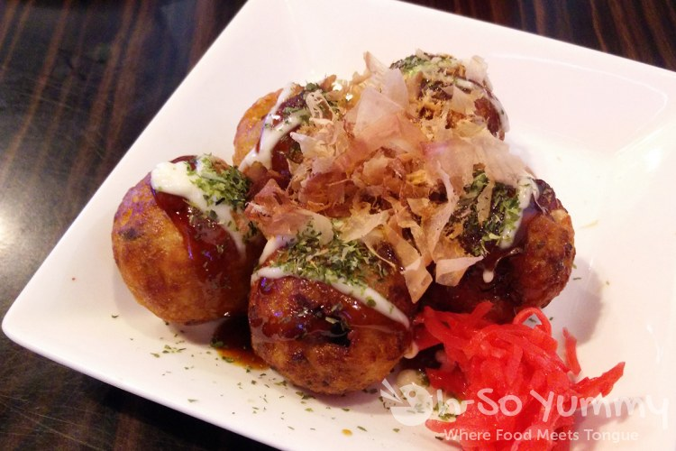 Takoyaki appetizer at Shin-Sen-Gumi in Fountain Valley CA